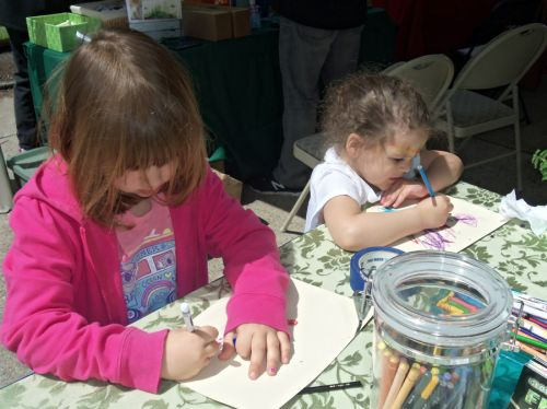 two-girls-drawing-FRG-table