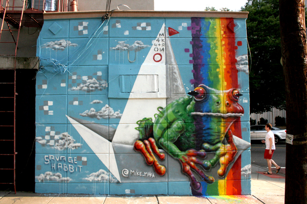 jersey-city-frog-mural-rainbow-Mike-Maka