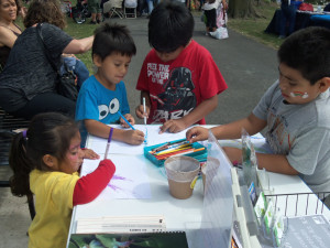 kids drawing frogs in park jersey city