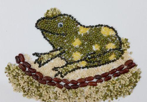 Honorable Mention, Trisha Sayani, Dubai, UAE, Frogs Are Green Kids Art Contest, Best 3D Art