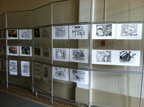 students-wallace-school-andinternational-frog-art