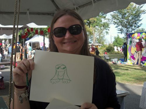 woman-draws-a-frog-at-WPLive